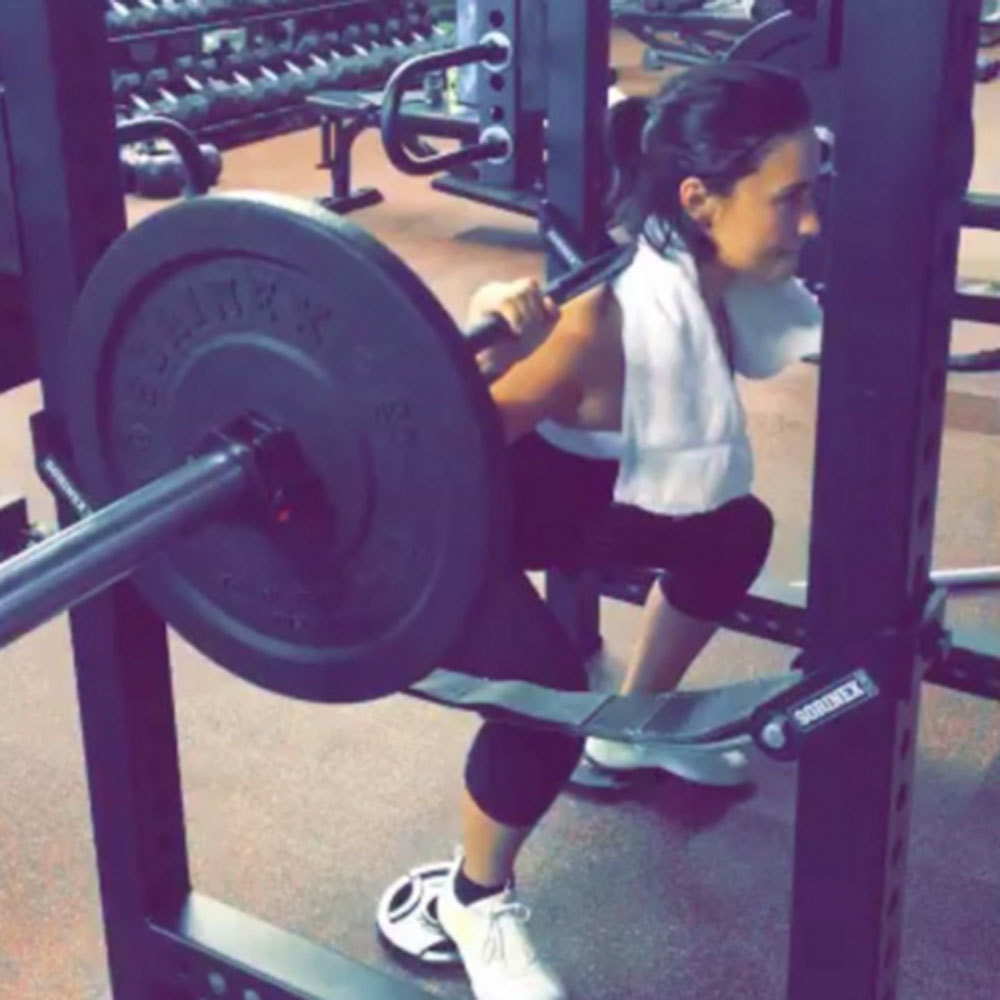 Watch Chelsea Handlers Badass Bench Press Will Inspire You to Up Your Workout Game video