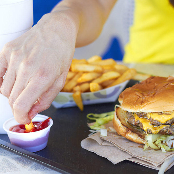 Tricks to outsmart crazy food cravings during your