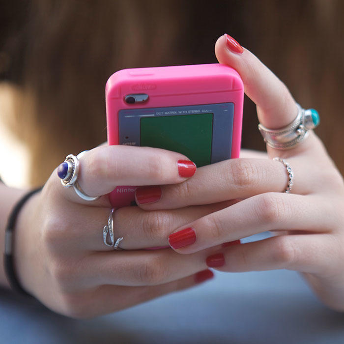 10 Texting Rules For Dating Singles