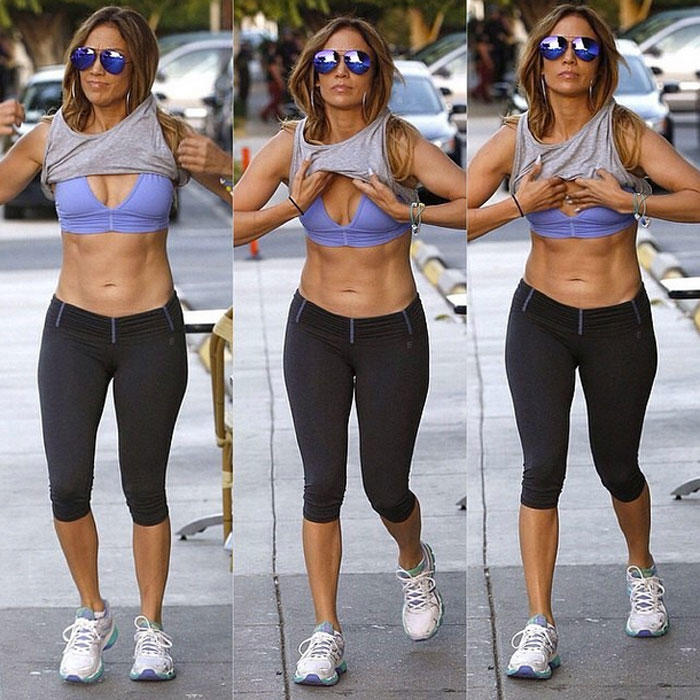 Jennifer Lopez Is Khloé Kardashian's Fitness Motivation