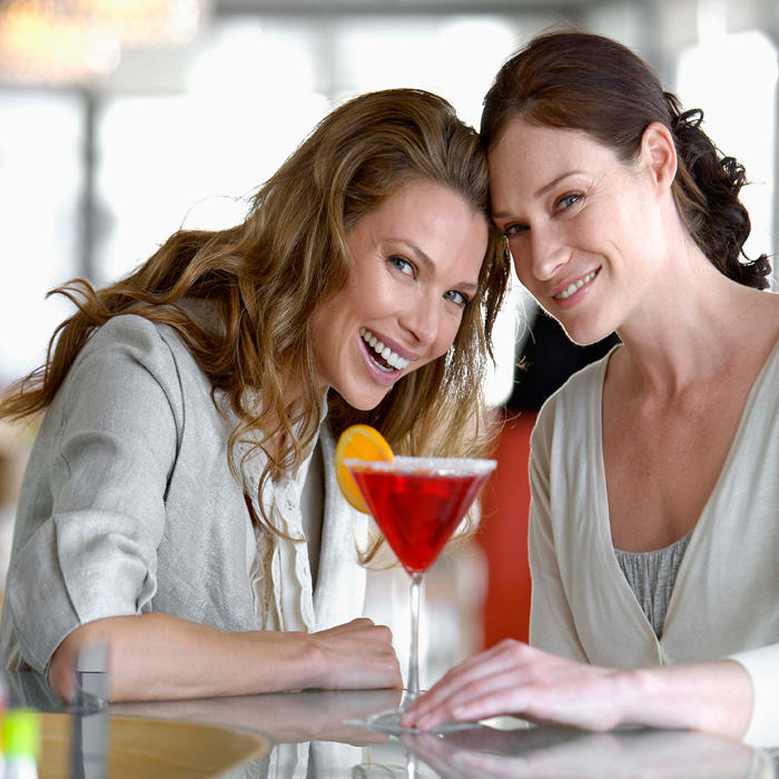 how to be a good wingwoman
