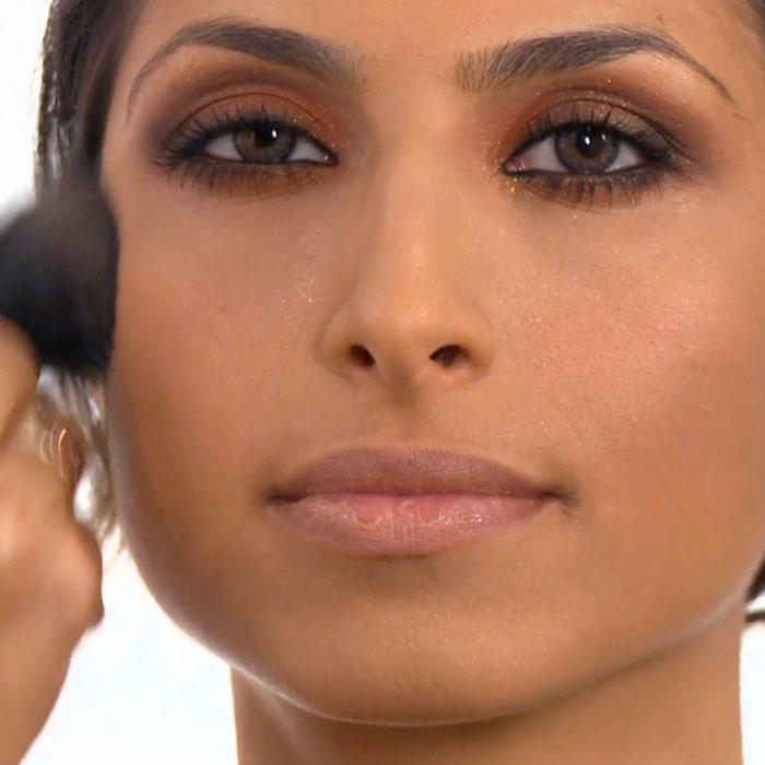 Makeup Tips and Beauty Products to Look Like a Victorias ...