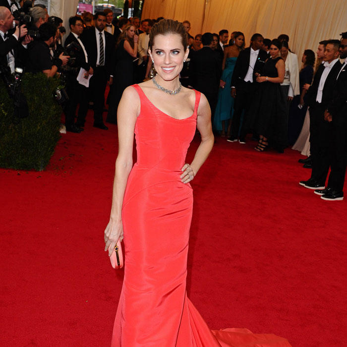 Allison Williams Core Fusion Barre Workout Shape Magazine