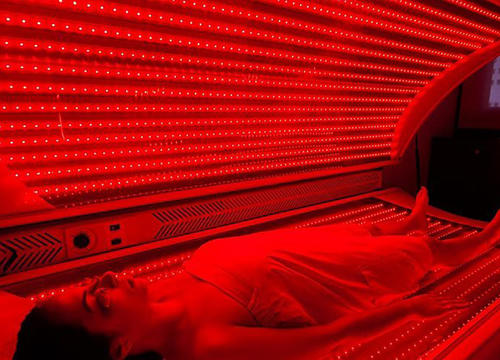 Here's How Red Light Therapy Works—Plus Why You Should Try It