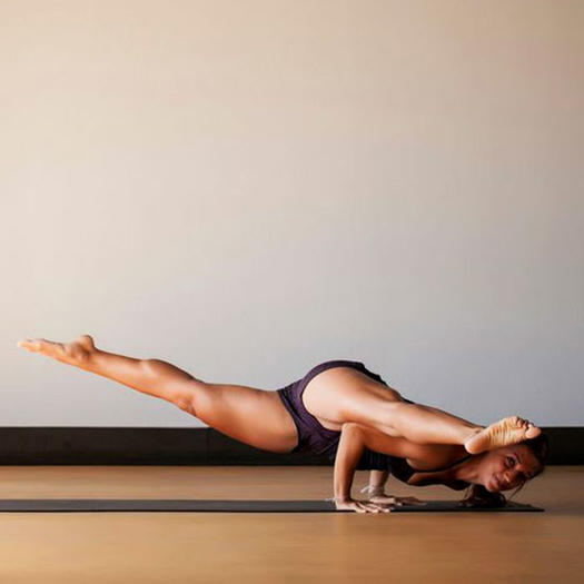 Workouts: 10 Exercises to Prime Your Arms for Yoga Poses ...