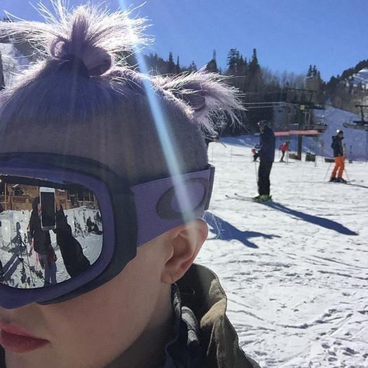 how to look good while skiing