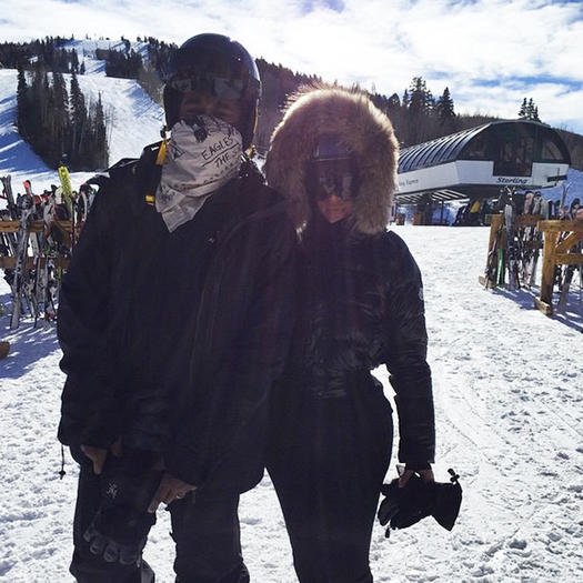 a438d8f88725 Celebrity Photos 10 Celebs Who Love Snowboarding   Skiing