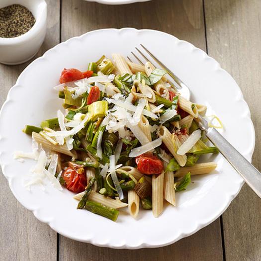 Italian food 15 low calorie pasta recipes shape magazine 15 low calorie pasta recipes for a healthy italian dinner forumfinder Choice Image