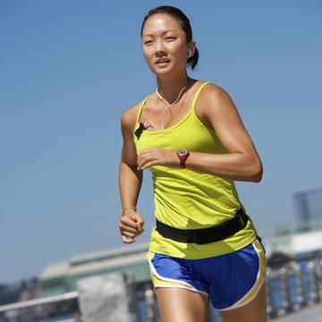 running tips essential workout gear for marathon training