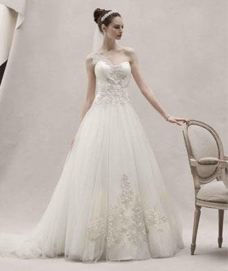 Anne hathaway wedding dress colored