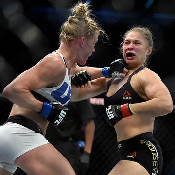 Ufc Fighter Ronda Rousey Gets Schooled For Poor Sportsmanship