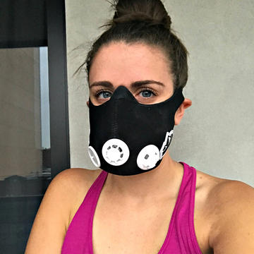 What It s Like to Wear an Altitude Training Mask While You Work Out ... d9b2bbcc4f7a
