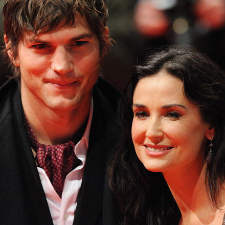 demi moore dating a younger man ashton kutcher